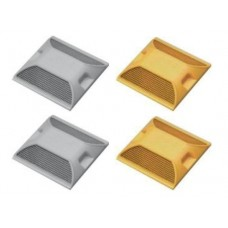 Πλαστικοί ανακλαστήρες οδοστρώματος